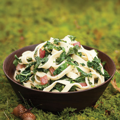 Recipe for pasta with kale, bacon and fontina