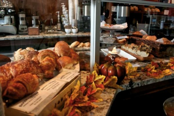 Baker & Nosh bakery in Chicago
