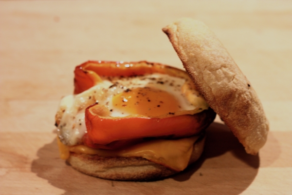 red pepper and egg sandwich #writes4food
