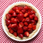 easy glazed strawberry pie recipe | writes4food.com