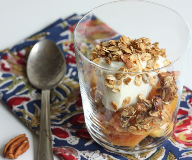 fresh peaches with yogurt and homemade pecan granola | writes4food.com