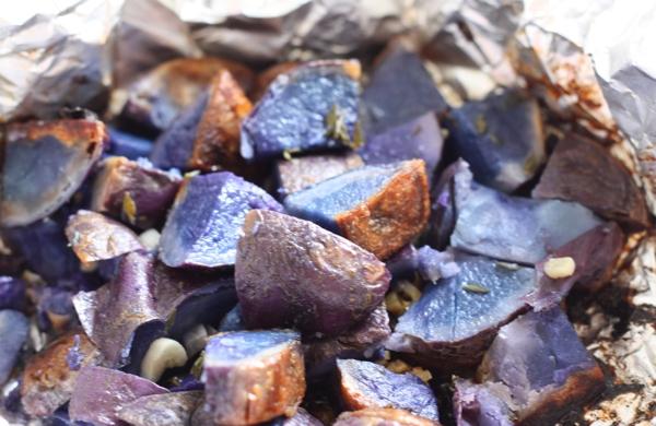 grilled blue potatoes recipe | writes4food.com