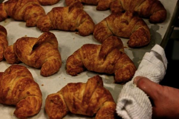 Baker & Nosh Chicago croissants