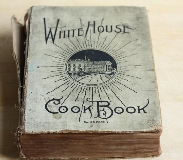 Vintage Cookbooks Writes4food