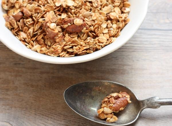 homemade maple pecan granola recipe | writes4food.com