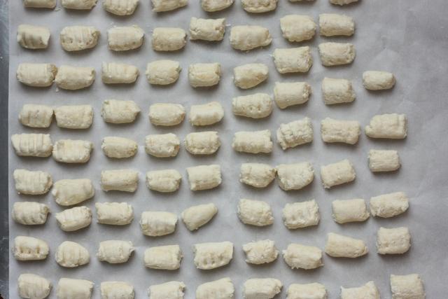 easy homemade ricotta gnocchi recipe   writes4food.com